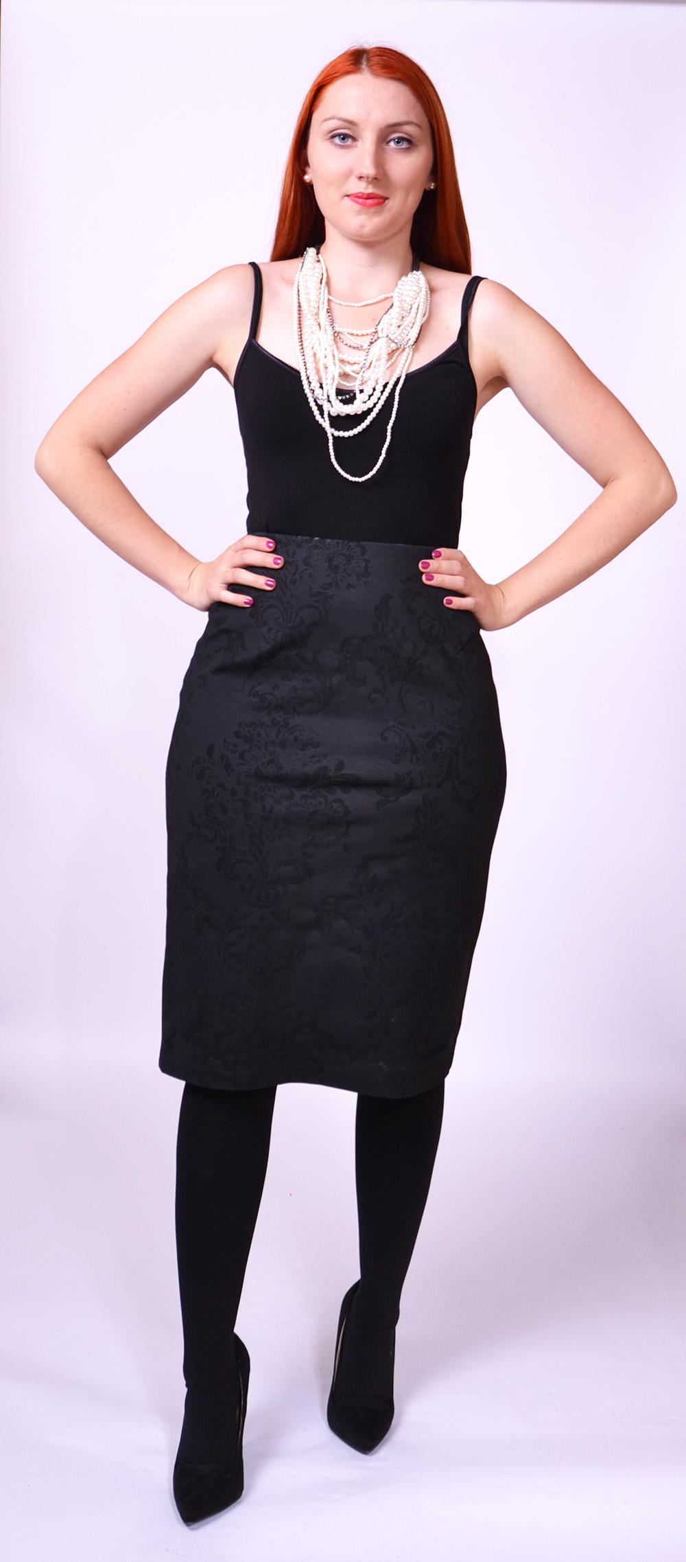 7ae9aa07ab61 Úzka čierna sukňa - SEVERANKA